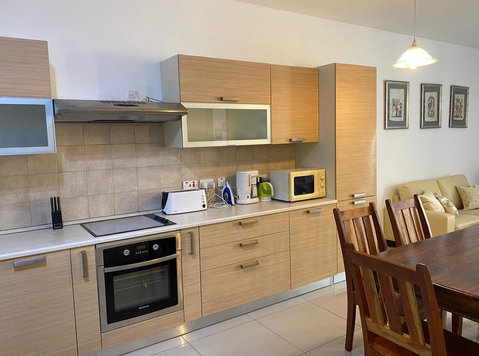 Sliema prime location, side sea view, old college street - Apartmány
