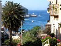 Sliema prime location, side sea view, old college street