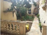 Adosado en alquiler en Mosta - Pisos