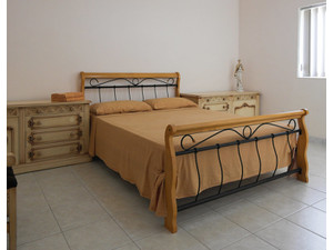 Attard Centre - Queen Size Bed 40nt / monthly e525 - Holiday Rentals