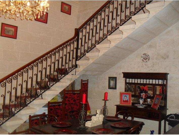 Beautiful Rooms To Let In House Of Character - Casas