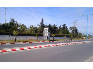 Commercial land of 1 hectare in Bouskoura - Terrain