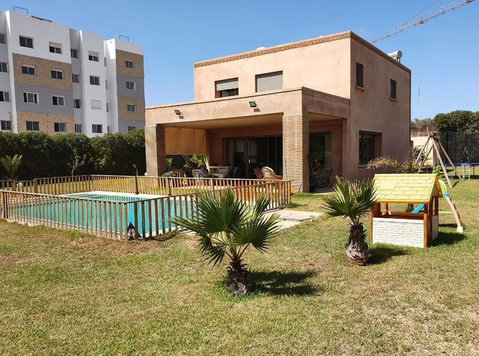 Villa for sale of 2127m² in Darbouazza - 房子