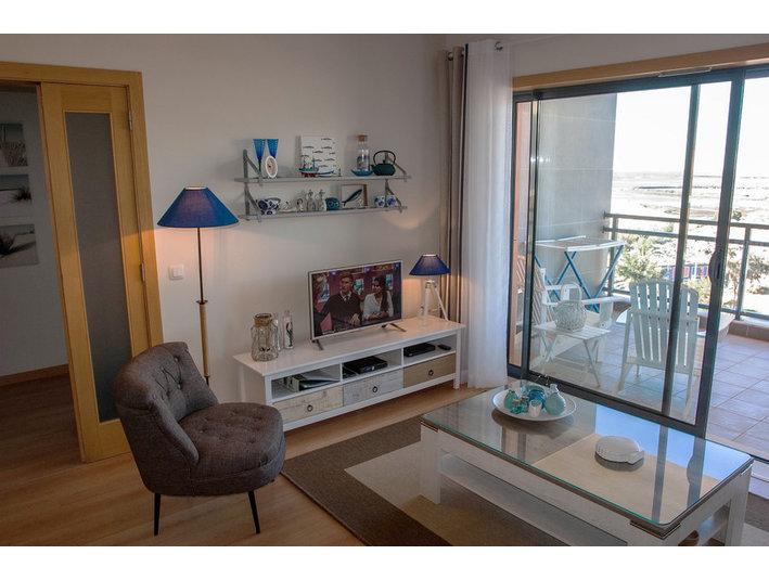 Algarve-village Marina Olhão: top floor apartment: For ...