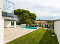 SOMPTUOUS AND MODERN VILLA WITH SEA VIEW IN CAXIAS-PORTUGAL