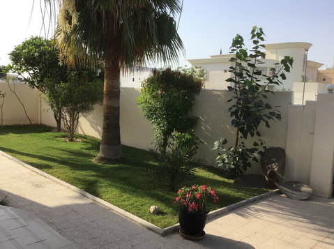 Room for rent in a shared villa - Collocation