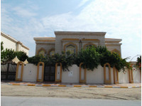 3 free standing villas for sale in Al Mamoura - Houses