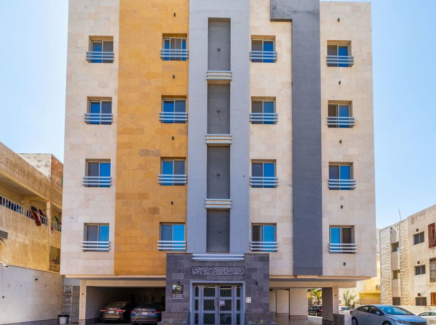Fully Furnished Apt For Rent 2bhk Al Hamra with All Service - Apartments