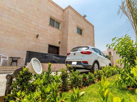 Fully Furnished Apt For Rent 2bhk Al Hamra - Houses