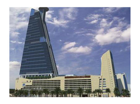 Office Space For Rent Hq Tower - Office / Commercial