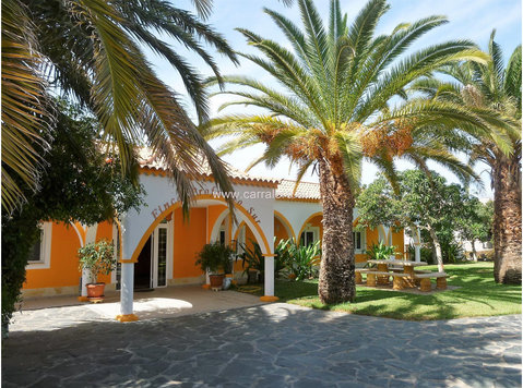 Gran Canaria stylish finca with private pool near Maspalomas - Къщи