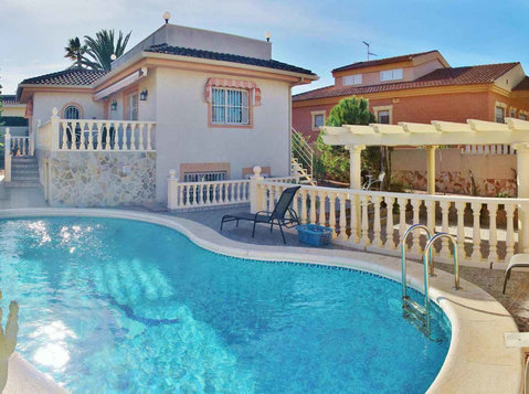 Price Reduced !!!!! 4 bed Villa in Ciudad Quesada - Houses
