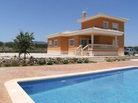 NEW VILLAS IN  CATRAL WITH HABITATION CERTIFICATE - Houses