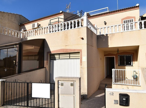 Reduced!!!  Three bedroom townhouse on the edge of Benijófar - Houses