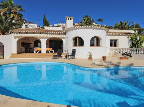Villa for sale in Moraira Spain - Hus
