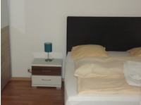 Lovely 1 bedroom modern ready to rent out furnished. - Apartments
