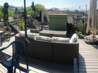 Cosy attic with stunning roof top terrace at a great price!
