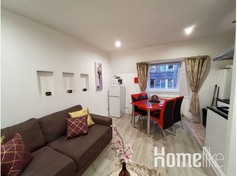 Apartment in super central location - דירות