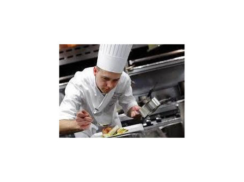 Chefs - cooks - Restaurant and Food Service