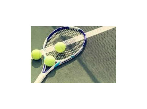 tennis Instructor With Animawork - کھیل اور تفریح