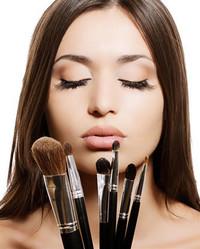 Gigi Perù Makeup
